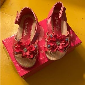 NIB Ameta toddler sandals sz 5